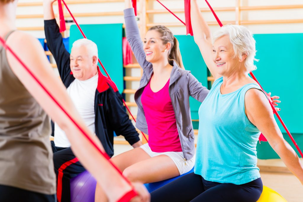 Fit im Alter, Kurse, Physiotherapie, Yoga, Pilates